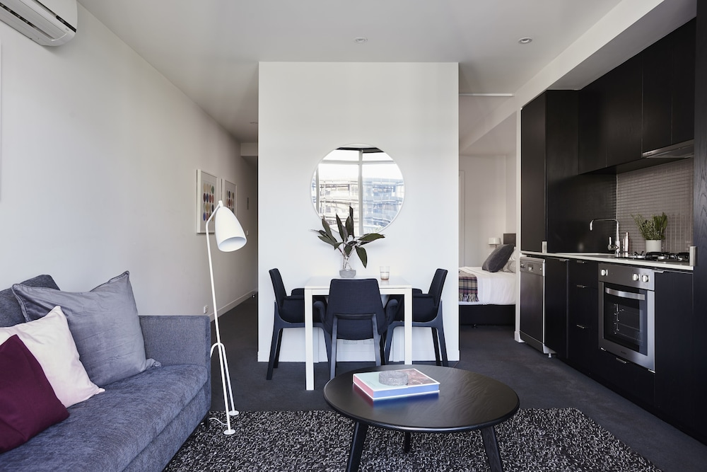 punthill south yarra grand details and photos south. Black Bedroom Furniture Sets. Home Design Ideas